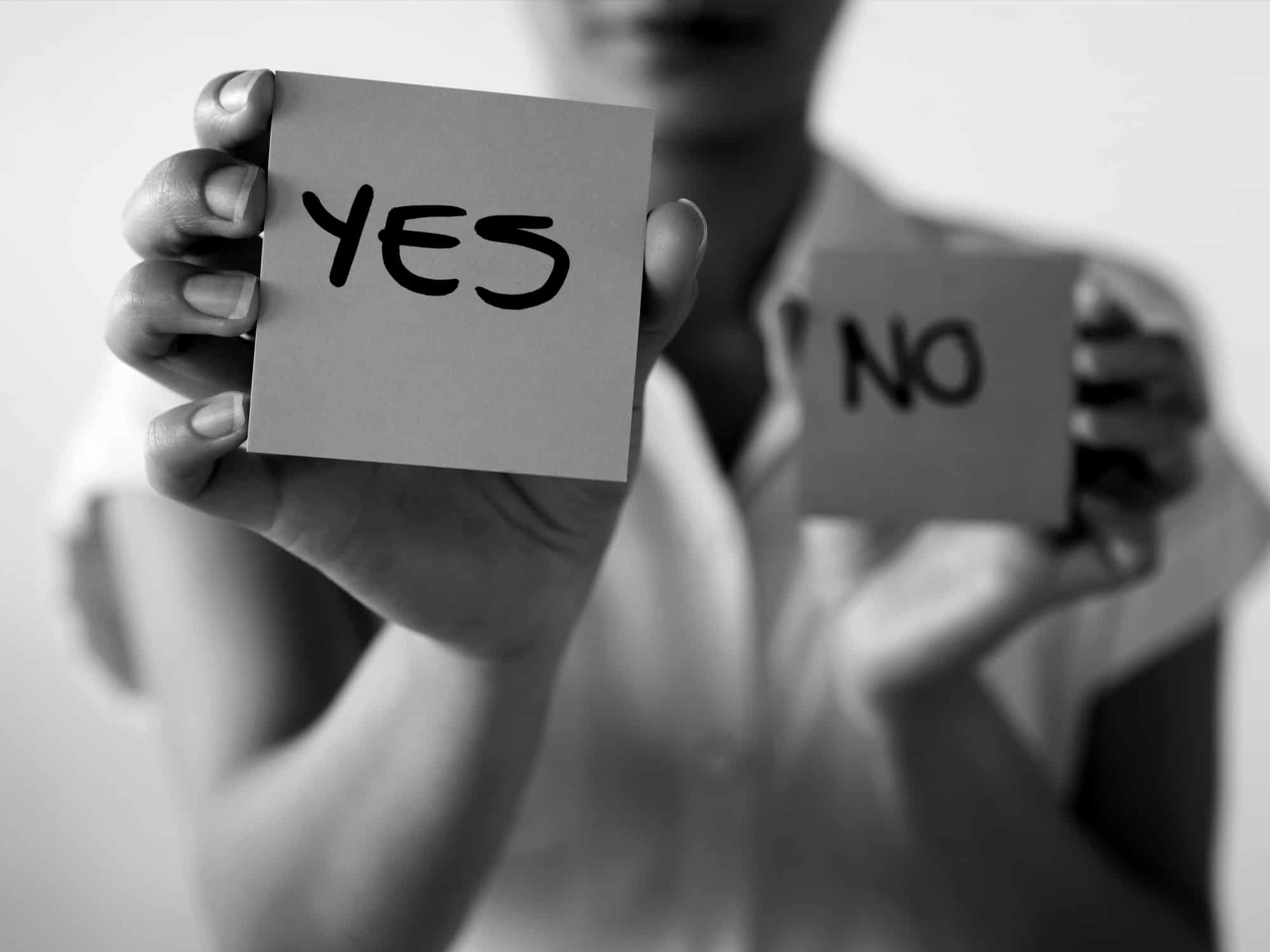 yes or no graphic b&W